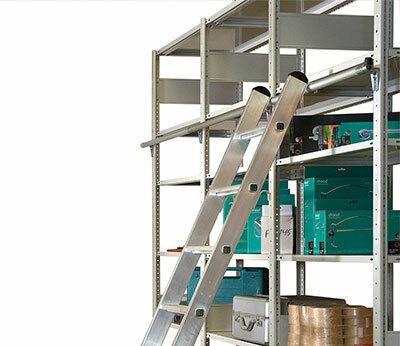 Aluminium-Regalleitern einhängbar